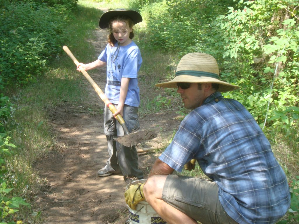 volunteers on the Ice Age Trail
